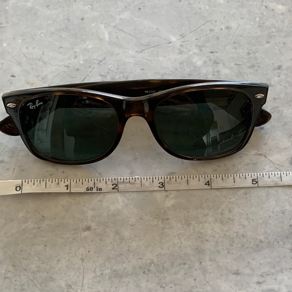 Like New Ray-Ban Wayfarer Brown Tortoise Authentic